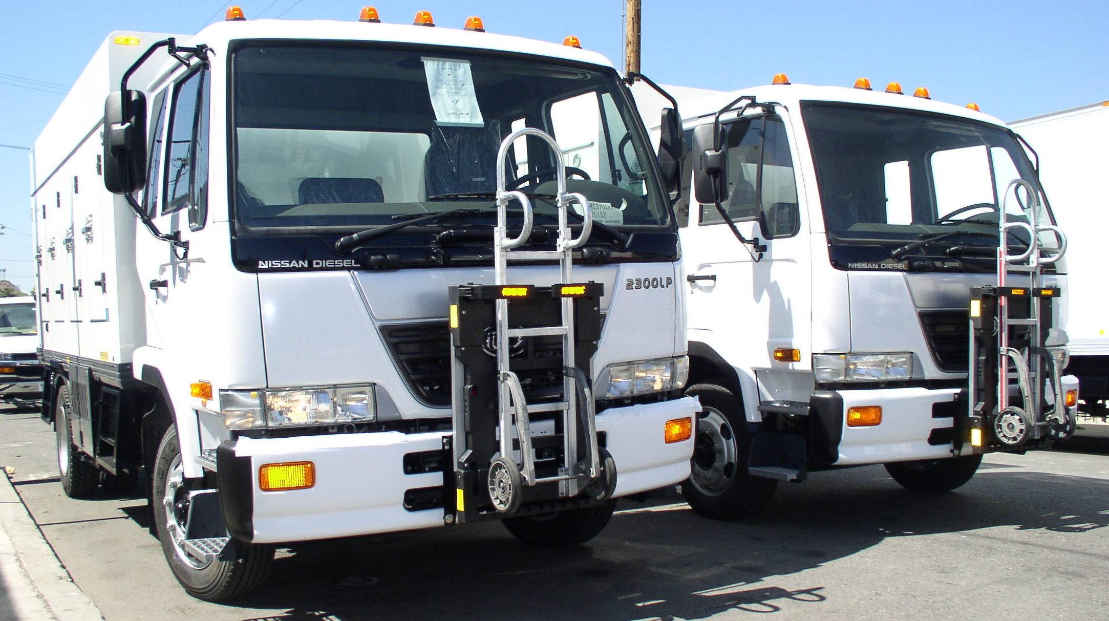UD Nissan Diesel Trucks 2300LP  General Truck Body